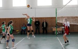 Осенью возможности волейболистов расширятся. Играть можно будет не только в зале, но и на современной площадке под открытым небом.