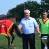 Глава КФХ Ф. Куропятник, победитель заезда А. Сторчеус, зоотехник по коневодству М. Петренко.JPG