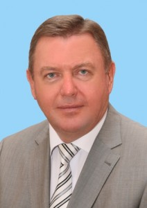 Анатолий Югов
